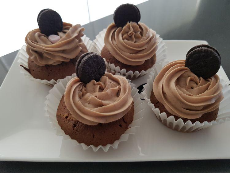 chocolade cupcakes met oreo