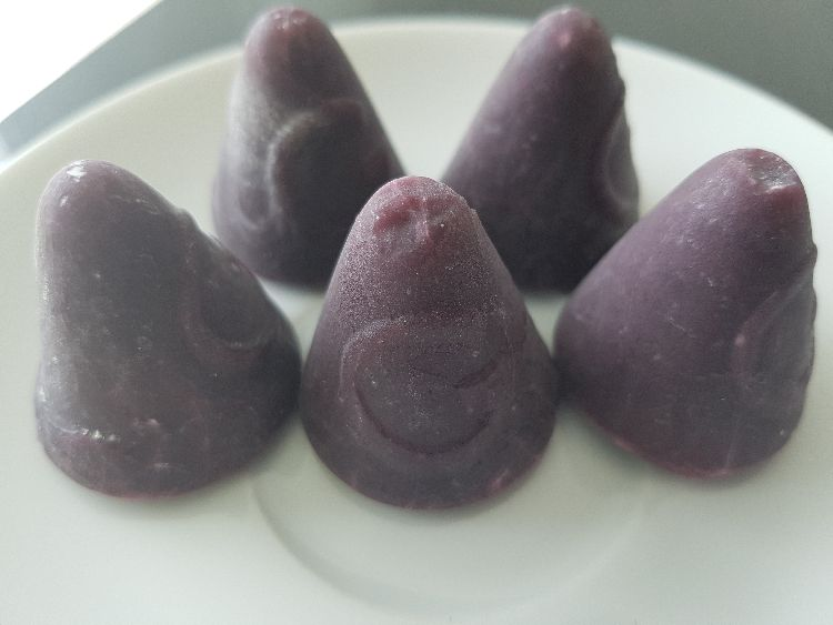cuberdon cupcakes: de neuzekes of cuberdons zijn essentiëel als ingrediënt