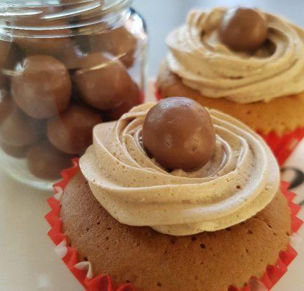 Malteser cupcakes - op bord